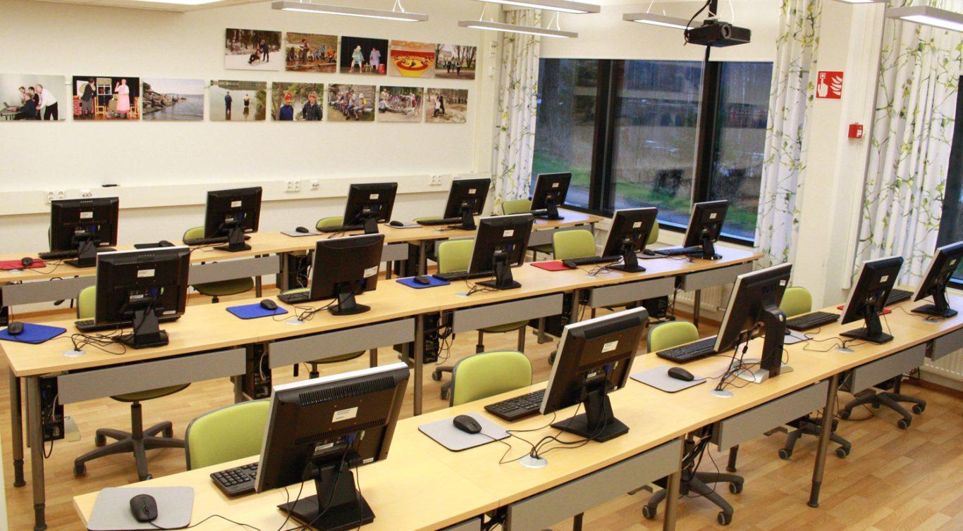 Lehmirannan ATK-luokkaan mahtuu 15 oppilasta