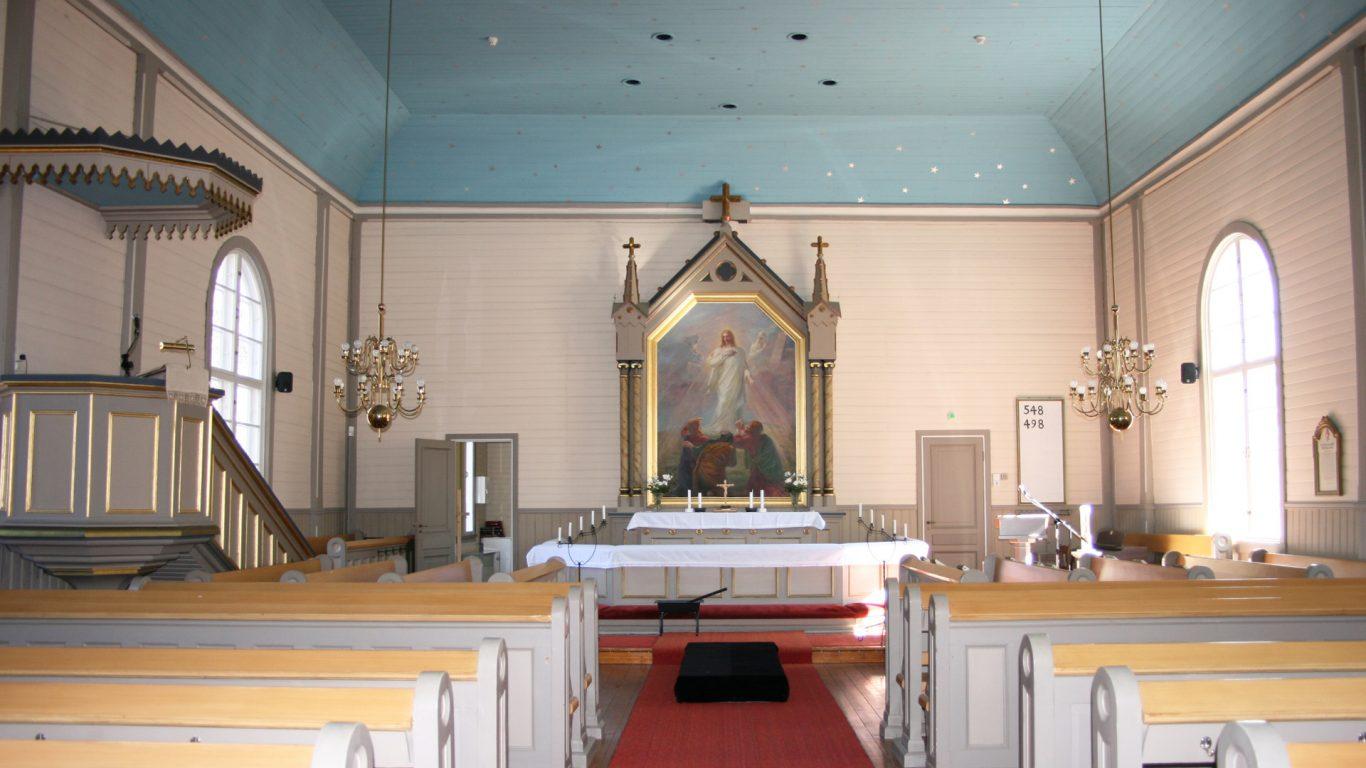 Kuusjoen kirkko sisältä