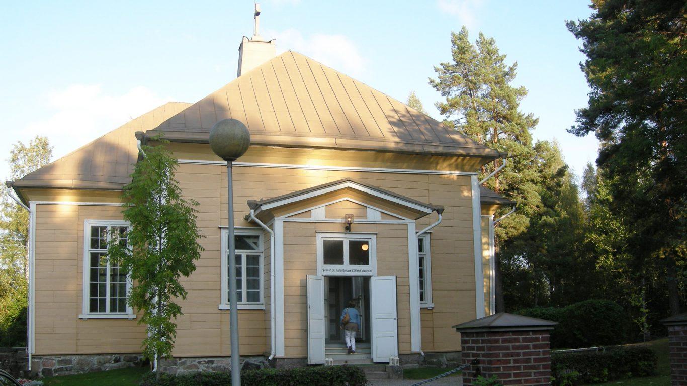 Suomusjärven kirkko ja avoimet ovet