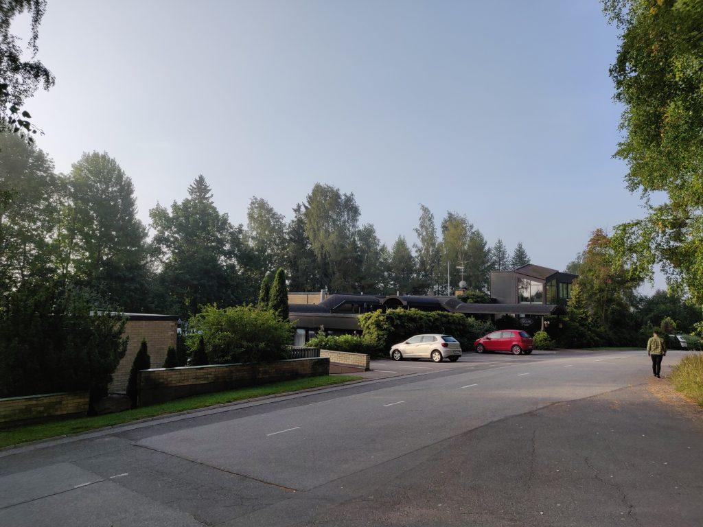 Hotel Fjalar, rauhallinen asuinalue, vehreä ympäristö
