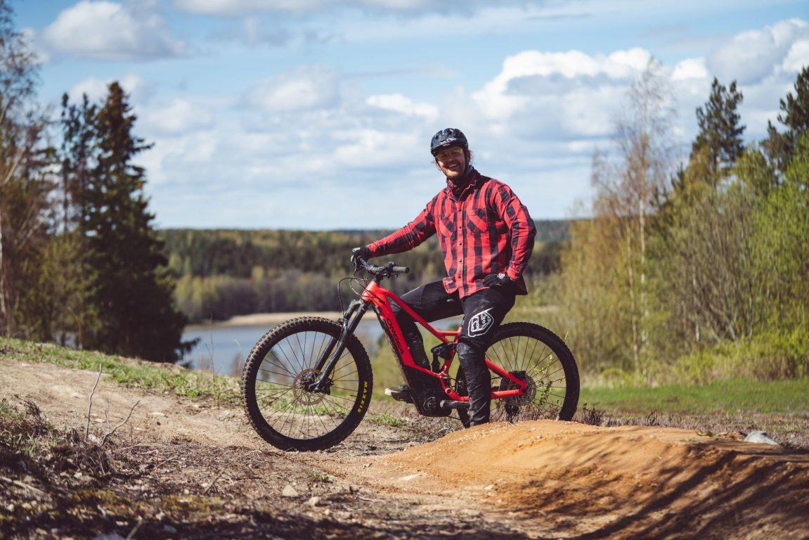 Meren läheisyydessä sijaitseva Meri-Teijo Bike Park tarjoaa ainutlaatuisen polkuverkoston kansallispuistossa ja bike parkissa.