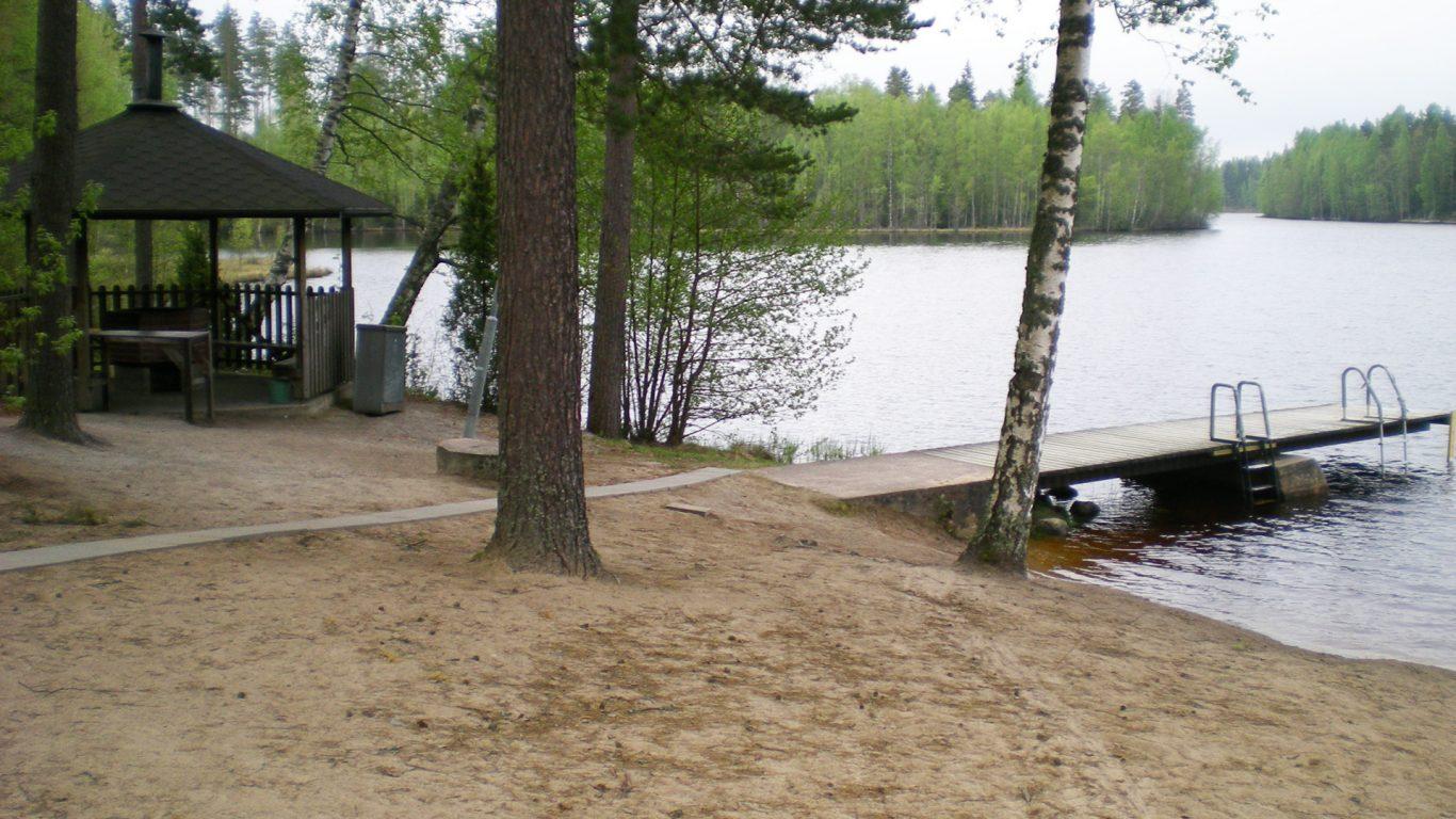 Varvojärven uimaranta