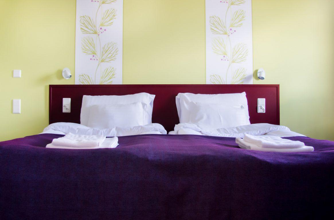 VIP Superior-huoneistossa on erillinen, tilava makuuhuone. Huoneistossa on makuutilat neljälle hengelle. Oma sauna ja tilavat pesutilat löytyvät huoneistosta.