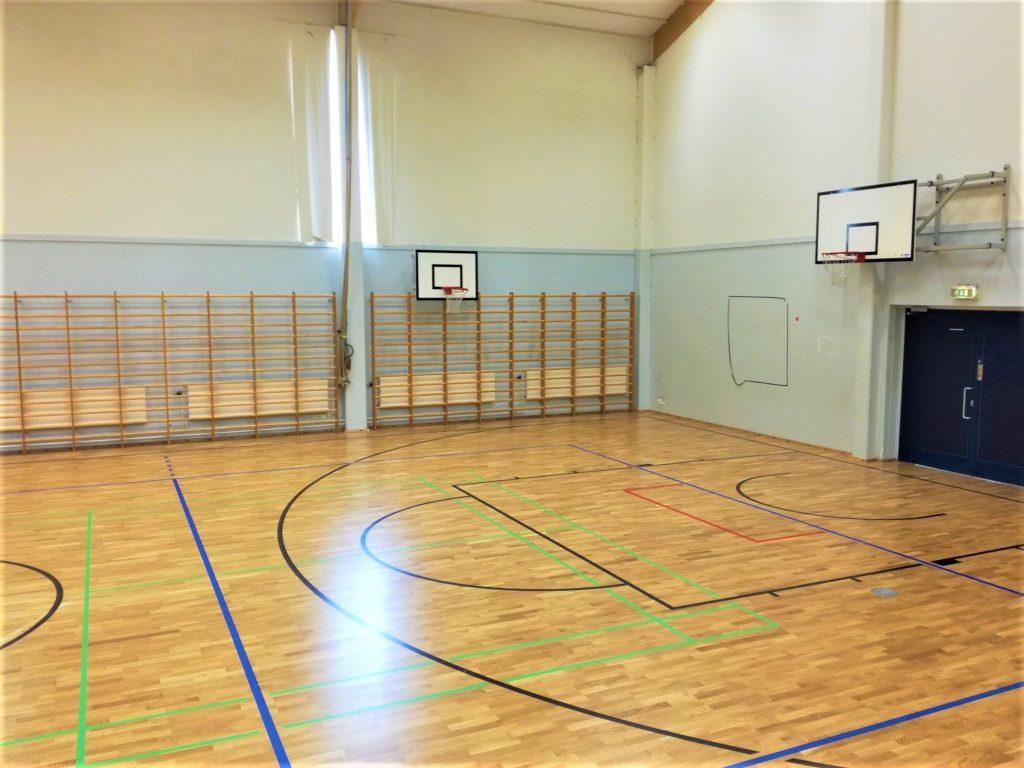 Alhaisten koulun palloilusali