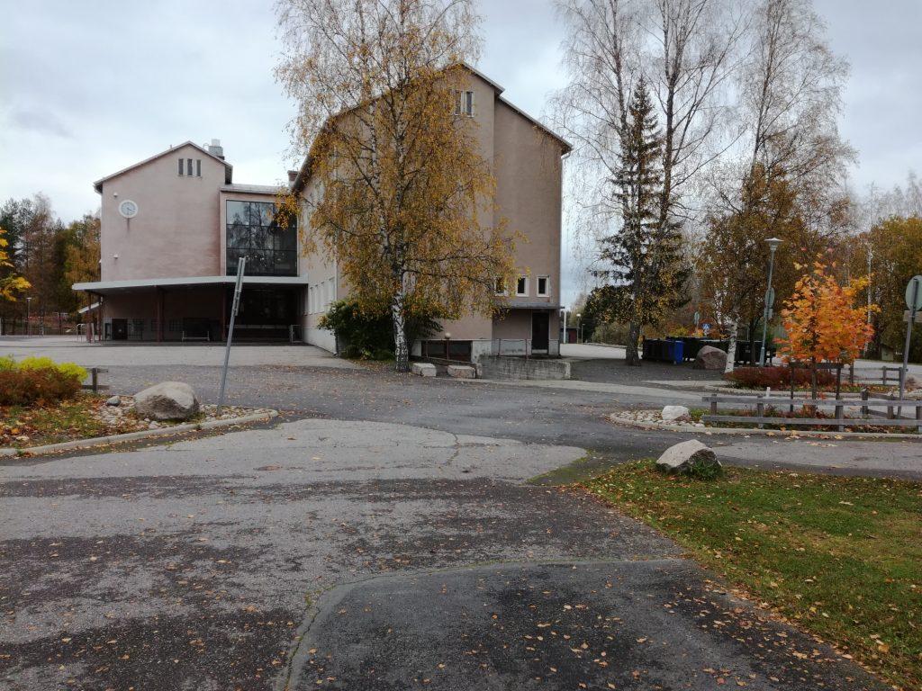Perniäön kirkonkylän koulun ulkokuva