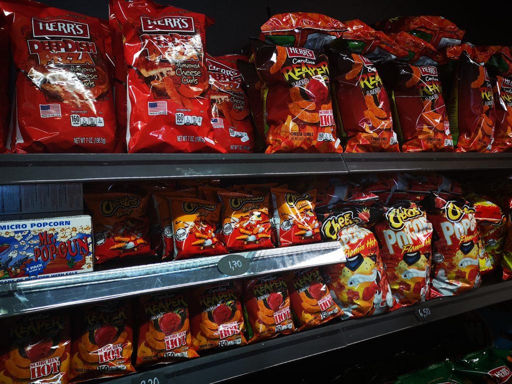 Karkkikauppa Cheetos sipsit