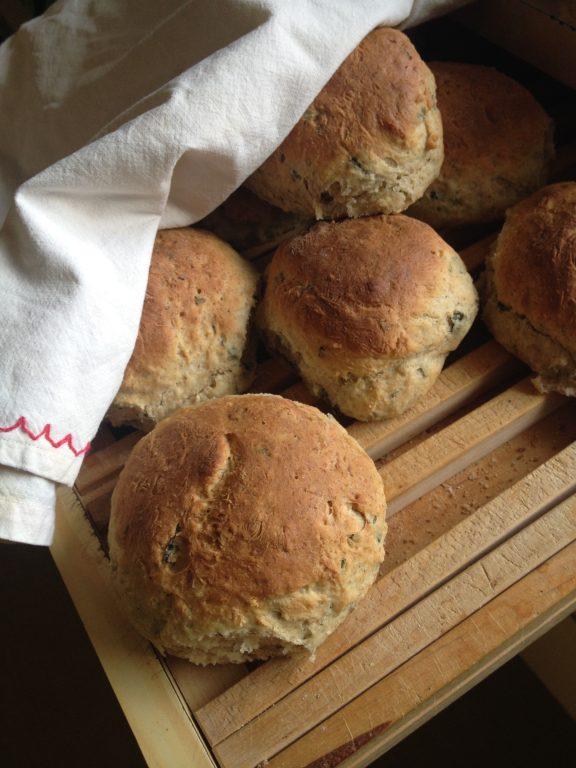 Tuoreita leivonnaisia Lähiruokakioski Pikantista